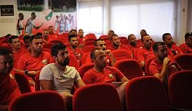 Antrenörlerin semineri devam ediyor