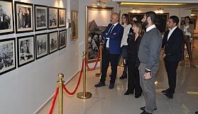 """Sağlık Bakanı Dr. Filiz Besim """"Dr. Fazıl Küçük ve Milli Mücadele Sergisi""""ni ziyaret etti"""