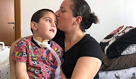 Geçitkale Belediyesi Aliye Ejderi 'Yılın Annesi' seçti
