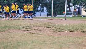 Girne'de antrenman sahası, büyük sorun