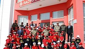 Minikler, Radyo Güven'i ziyaret etti