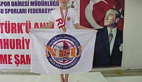 Atatürk anısına, rekorlara yüzdüler