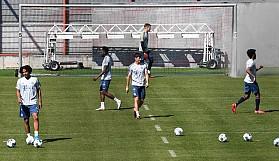 Bayern Münih sahaya indi