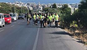 Girne'den Lefkoşaya yürüyüşe geçtiler