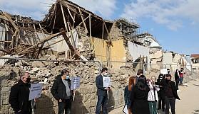 Önce yıktı sonra restore sözü verdi