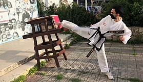 Taekwondocular kırdı geçti