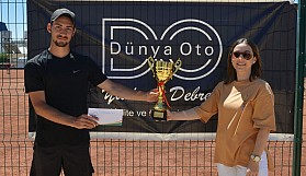 Dünya Oto Cup'ta Mustafa Zorba ve Oksana Piddubna şampiyon