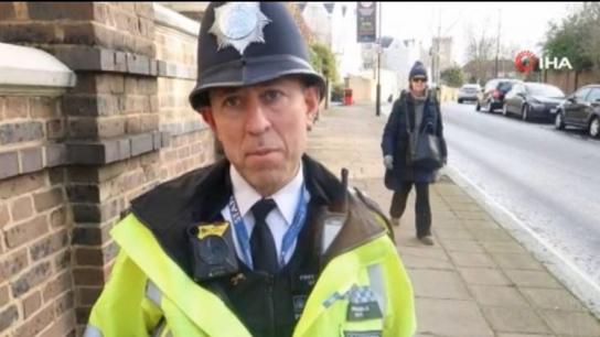 İngiltere'de yaşayan Kıbrıslı Türk polise Kraliyet madalyası verildi