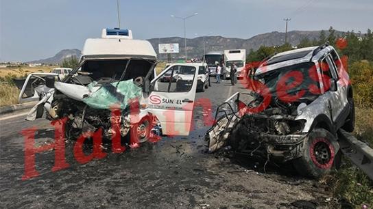 Girne - Lefkoşa anayolunda kazadan kurtarma anları